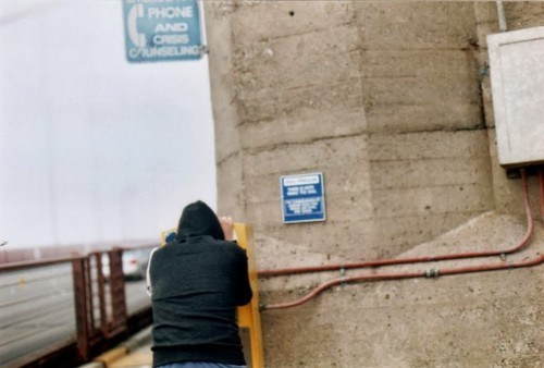 Man-uses-the-suicide-hotline-on-the-Golden-Gate-Bridge